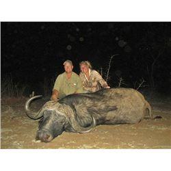 NUMZAAN SAFARIS | 7 Day Cape Buffalo Safari