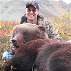 Alaska Interior Grizzly Bear Hunt for 1 Hunter & 1 Observer