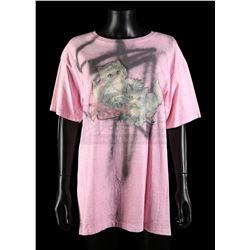 BATMAN RETURNS (1992) - Selina Kyle's (Michelle Pfeiffer) Spray-Painted T-shirt
