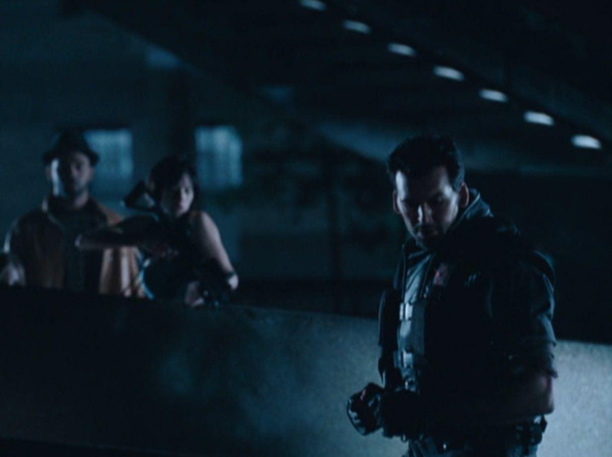 Resident Evil Apocalypse 2004 Carlos Olivera S Oded Fehr