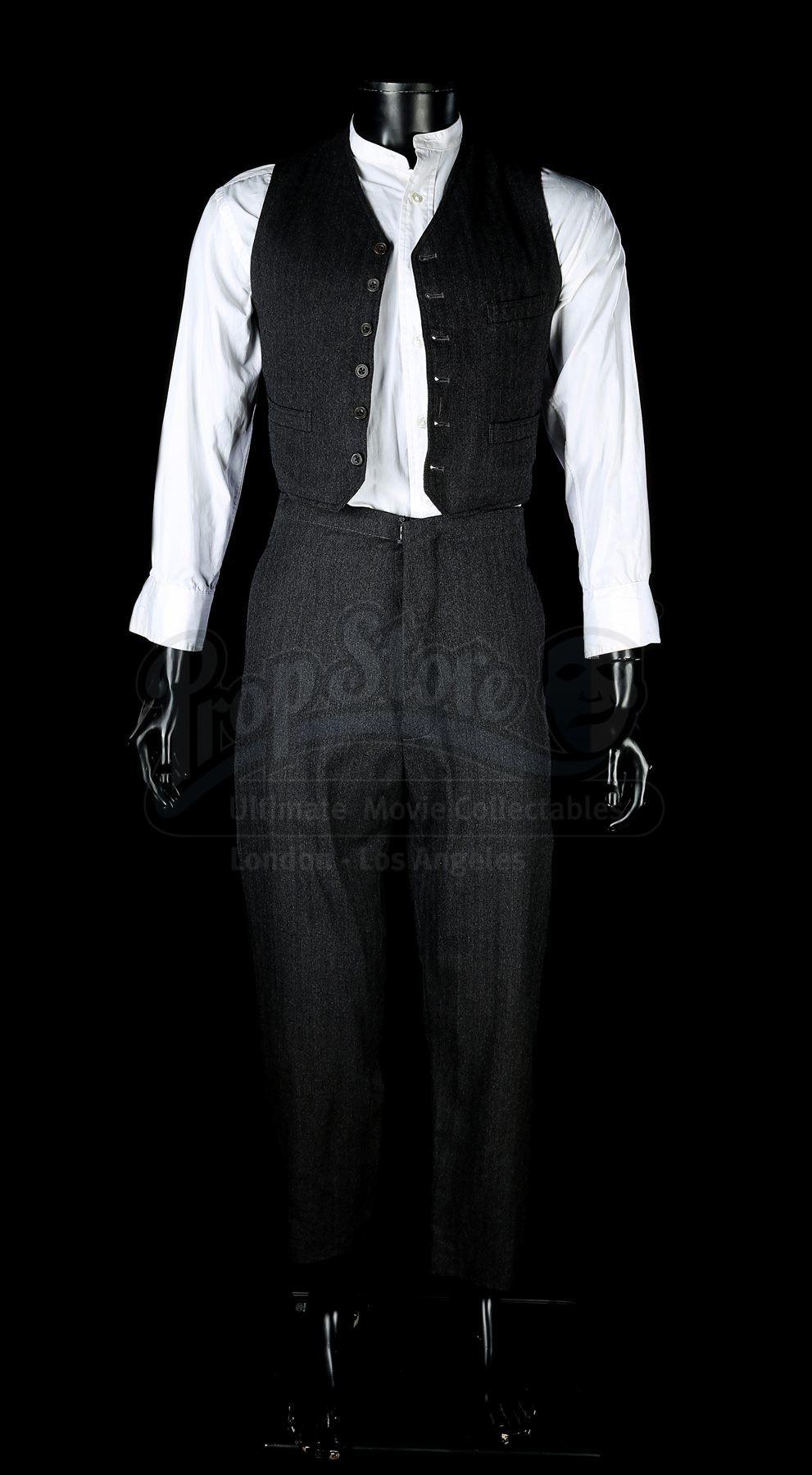 Alisa Khazanova the woman in black (2012) - arthur kipps' (daniel radcliffe) costume