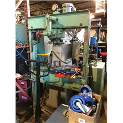 Dake Hydraulic Press 25 Ton