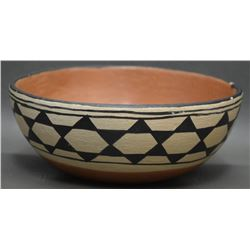 SANTO DOMINGO POTTERY INDIAN CHILI BOWL (GARCIA)