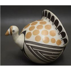 ACOMA INDIAN POTTERY TURKEY ( LOWDEN)