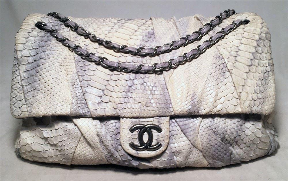 0756e2dc41d6 ... Image 3 : Chanel Rare Natural Snakeskin Python XL Classic Flap Shoulder  Bag ...