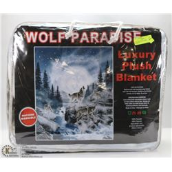 LUXURY PLUSH BLANKET -WOLF PARADISE