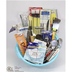 LOT OF ASSORTED KITCHEN SUPPLIES