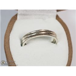 STERLING SILVER RING SIZE 6 (ADJUSTABLE)