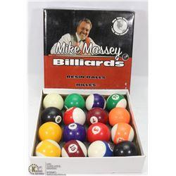 VINTAGE MIKE MASSEY BILLIARDS BALLS
