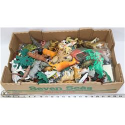 FLAT OF RESIN TOY ANIMALS FROM FARM, JUNGLE &