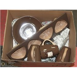BOX OF ASSORTED CROCKERY, CUPS, PLATES.