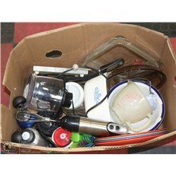 BOX OF HOUSEWARES/ DISHWARE