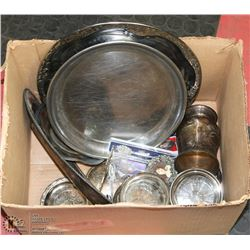 BOX OF ASSORTED SILVERPLATE & BRASS PLATES, SPOONS