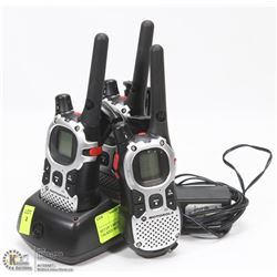 SET OF 3 MOTOROLA WALKIE TALKIES WITH CHARGER