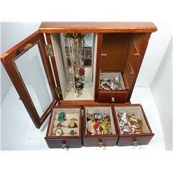 21)  GLASS FRONT 4 DRAWER JEWELLERY BOX