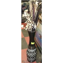 TALL BLACK AND GREY SHOWHOME VASE