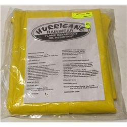 HURRICANE SIZE: LARGE FR OIL-RESISTANT RAIN-GEAR