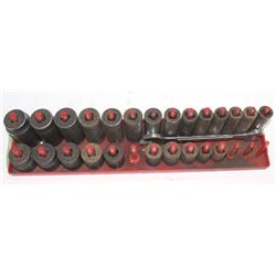 INCOMPLETE HD SOCKET SET + WRENCH (24 PIECES)