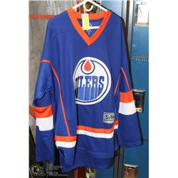 NEW OILERS SIZE S/M HOCKEY SHIRT