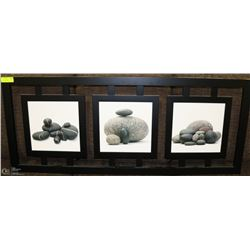 3 PICTURES IN DECORATIVE WALL HANGING OF ARTISTIC