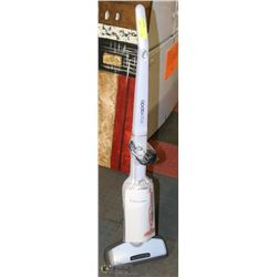 ELECTROLUX ELECTRIC FLOOR CLEANER