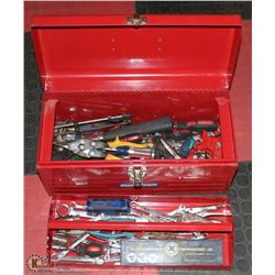 METAL MASTERCRAFT & TOOLBOX FULL OF TOOLS RED
