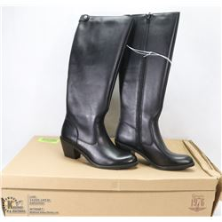 NEW GENUINE 1976 GENUINE LEATHER BOOTS SIZE 6
