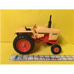 CASE 1/16 1270 451 TURBO TRACTOR - REPAINTED