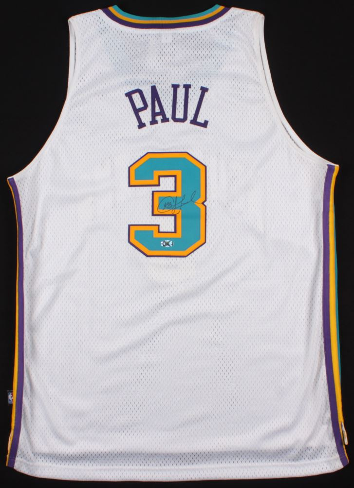 reputable site a57c5 2c589 Chris Paul Signed Hornets Jersey (Hollywood Collectibles ...