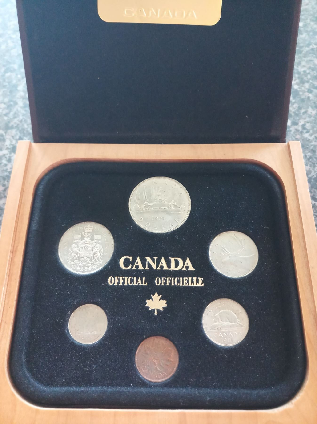 Year Set 1981 1 To 1 Specimen Set With The Wooden Box All Uncirculated Or Better For Grades