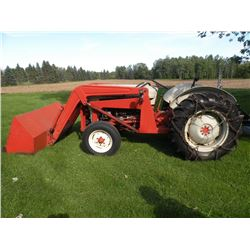 1956 Ford 800 Tractor 3 pt, PTO, with loader and tire chains