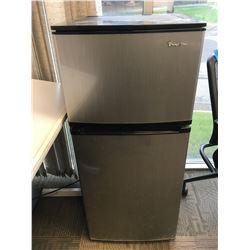 Magic Chef mini bar fridge two door w/ freezer