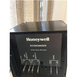 2-Honeywell -M7215A 1008  Damper Actuator Economizer