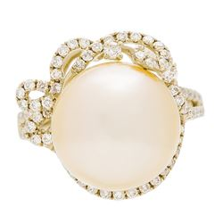 0.59 ctw Diamond and Pearl Ring - 18KT Yellow Gold