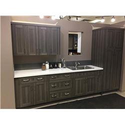 NEW Kitchen Cabinet Display Set inGraywoodgrain shaker style, 17 doors.Includes all cabinets, moldin
