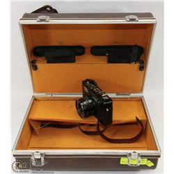 VINTAGE YASHICA 35MM CAMERA WITH CASE