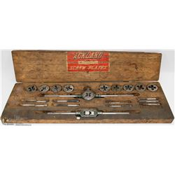 ANTIQUE US MADE TAP AND DIE SET IN BOX