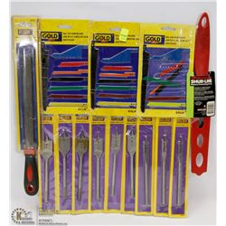 BUNDLE OF JIGSAW BLADES AND DRILL BITS