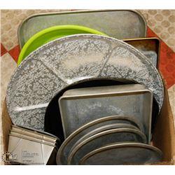 BOX OF VINTAGE BAKING PANS