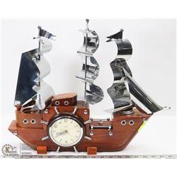 VINTAGE WORKING WOODEN SHIP LAMP