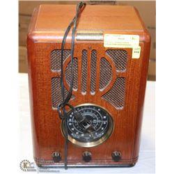 VINTAGE THOMAS EDISON COLLECTORS EDITION RADIO