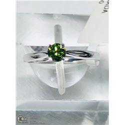 10) 10KT GOLD GREEN DIAMOND RING