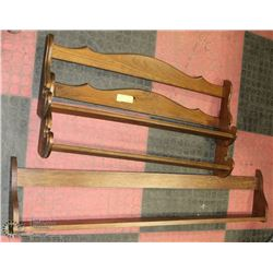GROUP OF 3 WOOD WALL MOUNT PLATE STANDS