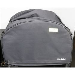 PADDED & MATCHING TRAVEL BAGS BY MEDELA.