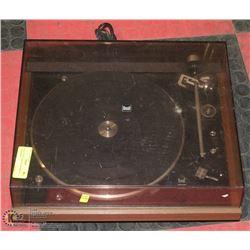 DUAL TURNTABLE IN WORKING CONDITION