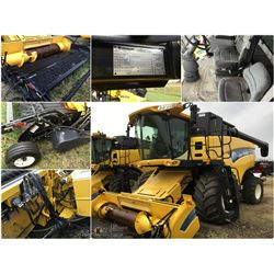 2007 NEW HOLLAND CX8080 COMBINE WITH 76C 14' SWATHMASTER PU