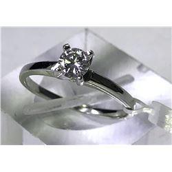 10kt. WHITE GOLD DIAMOND (0.32ct) RING