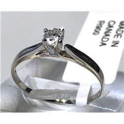 10kt WHITE GOLD DIAMOND (0.22ct) RING