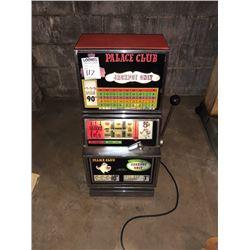 Palace Club Slot Machine