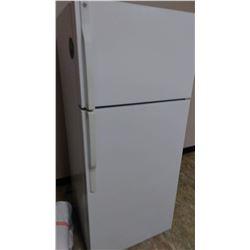 White GE Like New Refrigerator